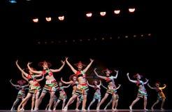 Κόκκινη σειρά καπέλων--Λαϊκός χορός Στοκ Εικόνες
