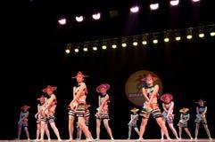 Κόκκινη σειρά καπέλων--Λαϊκός χορός Στοκ Φωτογραφία