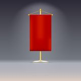 Κόκκινη σημαία ή σημαία στην κίτρινη βάση με Στοκ Φωτογραφία