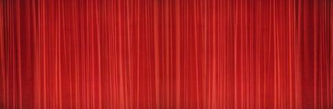 Κόκκινη σκηνική σύσταση κουρτινών Έννοια εικόνας θεάτρων Στοκ Φωτογραφίες