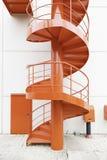 Κόκκινη σπειροειδής σκάλα Στοκ Φωτογραφίες