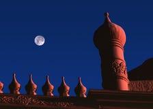 κόκκινη στέγη νύχτας Στοκ Φωτογραφίες