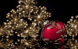 Κόκκινη χρυσή διακόσμηση Χριστουγέννων στοκ φωτογραφίες με δικαίωμα ελεύθερης χρήσης