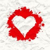 Κόκκινη χρωματισμένη καρδιά. Τσαλακωμένο έγγραφο Στοκ Εικόνες