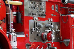 Κόκκινοι έλεγχοι πυροσβεστικών οχημάτων Στοκ εικόνα με δικαίωμα ελεύθερης χρήσης