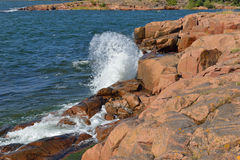 Κόκκινοι απότομοι βράχοι βασαλτών Στοκ φωτογραφία με δικαίωμα ελεύθερης χρήσης