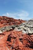 Κόκκινοι ιζηματώδεις βράχοι, από τη Σικελία στοκ εικόνες