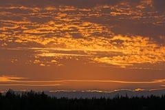 Κόκκινοι ουρανοί προς το τέλος του βραδιού στοκ φωτογραφία με δικαίωμα ελεύθερης χρήσης