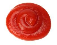 Κόκκινοι παφλασμοί κέτσαπ που απομονώνονται στο λευκό Στοκ φωτογραφία με δικαίωμα ελεύθερης χρήσης
