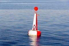 Κόκκινος άσπρος δεμένος σημαντήρας Στοκ εικόνες με δικαίωμα ελεύθερης χρήσης