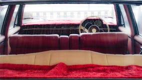 κόκκινος αναδρομικός αυτοκινήτων Στοκ εικόνες με δικαίωμα ελεύθερης χρήσης