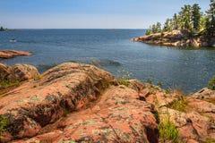 Κόκκινος βράχος στον της Γεωργίας κόλπο Οντάριο Καναδάς Στοκ Φωτογραφία