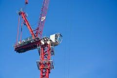 Κόκκινος γερανός κατασκευής Στοκ φωτογραφία με δικαίωμα ελεύθερης χρήσης
