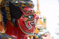 Κόκκινος γιγαντιαίος φύλακας στο ναό Wat Phra Kaew Στοκ φωτογραφία με δικαίωμα ελεύθερης χρήσης