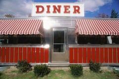 Κόκκινος εκλεκτής ποιότητας γευματίζων στοκ φωτογραφία