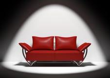 κόκκινος καναπές Στοκ εικόνα με δικαίωμα ελεύθερης χρήσης