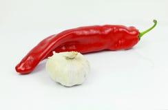 Κόκκινος - καυτό πιπέρι τσίλι με το σκόρδο Στοκ εικόνα με δικαίωμα ελεύθερης χρήσης