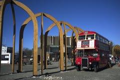 Κόκκινος καφές λεωφορείων Στοκ φωτογραφία με δικαίωμα ελεύθερης χρήσης