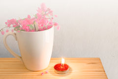 Κόκκινος καφές κουπών κεριών άσπρος Στοκ Εικόνα