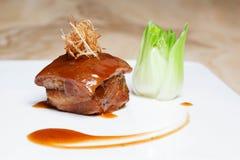 Κόκκινος-μαγειρευμένη κοιλιά χοιρινού κρέατος στοκ εικόνες με δικαίωμα ελεύθερης χρήσης