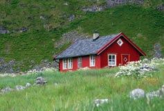 κόκκινος ξύλινος σπιτιών Στοκ Εικόνες