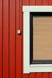 κόκκινος ξύλινος σπιτιών Στοκ εικόνα με δικαίωμα ελεύθερης χρήσης