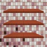 3 κόκκινος ξύλινος πίνακας ραφιών στον τοίχο κεραμιδιών Στοκ Εικόνες
