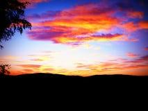 Κόκκινος ουρανός φθινοπώρου Στοκ εικόνα με δικαίωμα ελεύθερης χρήσης