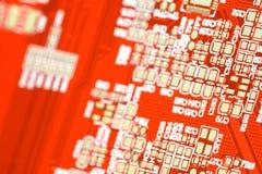 Κόκκινος πίνακας κυκλωμάτων Τεχνολογία υλικού ηλεκτρονικών υπολογιστών Ψηφιακό τσιπ μητρικών καρτών Στοκ εικόνες με δικαίωμα ελεύθερης χρήσης