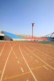 Κόκκινος πλαστικός φανός διαδρόμων και σε έναν χώρο αθλήσεων στοκ φωτογραφίες