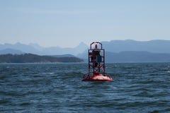 Κόκκινος σημαντήρας κουδουνιών στην εσωτερική μετάβαση Καναδάς Στοκ Φωτογραφίες