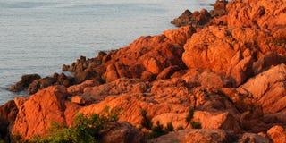 Κόκκινος σκόπελος Στοκ Φωτογραφία