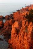 Κόκκινος σκόπελος Στοκ φωτογραφία με δικαίωμα ελεύθερης χρήσης