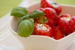 κόκκινος στρογγυλός πικάντικος πιπεριών τυριών που γεμίζεται Στοκ Εικόνες