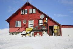κόκκινος χειμώνας σπιτιών Στοκ Φωτογραφίες