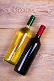 κόκκινο άσπρο κρασί μπουκ ακίνητο κρασί ζωής Τρόφιμα και έννοια ποτών Στοκ φωτογραφία με δικαίωμα ελεύθερης χρήσης