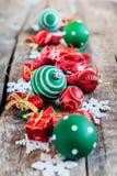 Κόκκινο άσπρο παιχνίδι διακοπών σύνθεσης Χαρούμενα Χριστούγεννας Στοκ φωτογραφία με δικαίωμα ελεύθερης χρήσης