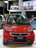 Κόκκινο έξυπνο αυτοκίνητο Στοκ εικόνα με δικαίωμα ελεύθερης χρήσης