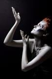 κόκκινο ασήμι κοριτσιών σ&ome Στοκ εικόνα με δικαίωμα ελεύθερης χρήσης