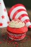 Κόκκινο βελούδο cupcake Στοκ Εικόνες