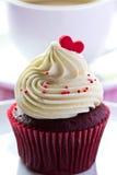 Κόκκινο βελούδο Cupcake Στοκ Φωτογραφίες