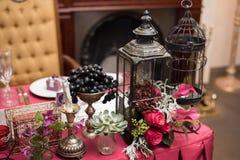 Κόκκινο γαμήλιο ντεκόρ στοκ εικόνα με δικαίωμα ελεύθερης χρήσης