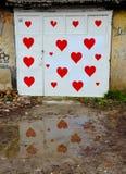 Κόκκινο γκαράζ καρδιών Στοκ φωτογραφία με δικαίωμα ελεύθερης χρήσης