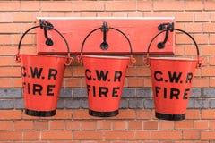 Κόκκινο γ W Κάδος πυρκαγιάς Ρ Στοκ Εικόνες