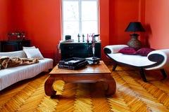 κόκκινο δωμάτιο διαβίωση&s Στοκ φωτογραφία με δικαίωμα ελεύθερης χρήσης