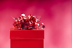 κόκκινο δώρων κιβωτίων Στοκ φωτογραφίες με δικαίωμα ελεύθερης χρήσης