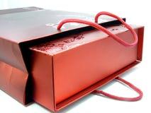 κόκκινο δώρων τσαντών Στοκ εικόνες με δικαίωμα ελεύθερης χρήσης