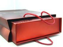 κόκκινο δώρων τσαντών Στοκ εικόνα με δικαίωμα ελεύθερης χρήσης