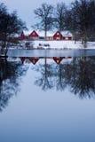 κόκκινο εξοχικών σπιτιών Στοκ εικόνες με δικαίωμα ελεύθερης χρήσης