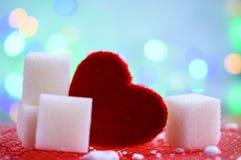 Κόκκινο επιδόρπιο βαλεντίνων ζάχαρης καρδιών αγάπης στοκ εικόνα με δικαίωμα ελεύθερης χρήσης